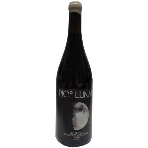 Botella de vino tinto Pico Lunar, elaborado con uva Syrah por bodegas Malaparte, en Cuéllar (Segovia)